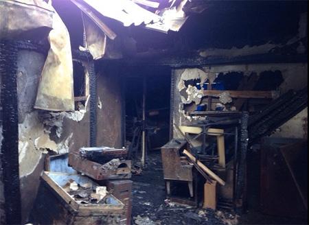火事現場の解体工事