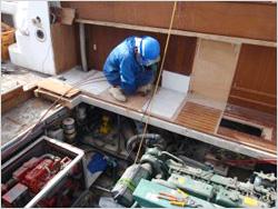 機関室廻り解体・オイルタンク、エンジン撤去